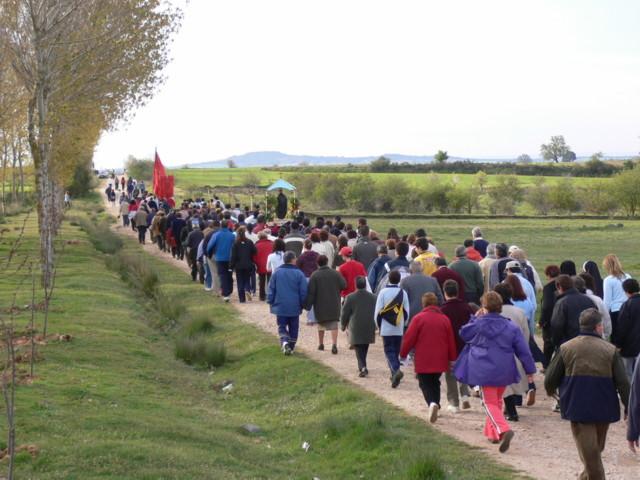 Caminando procesion el santito caleruega