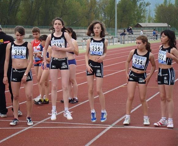 chicas atletismo caja circulo incesa