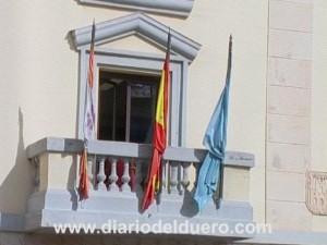 ayuntamiento aranda banderas