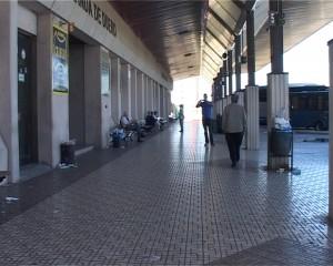 estacion autobuses sucia
