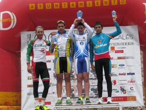 Podio escuelas junto a Carlos Barbero (ciclista profesional)